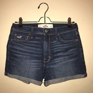 Hollister Natural-Waist High-Rise Short-Shorts